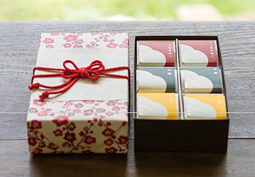 個包装木箱 花咲く花ふきんセット